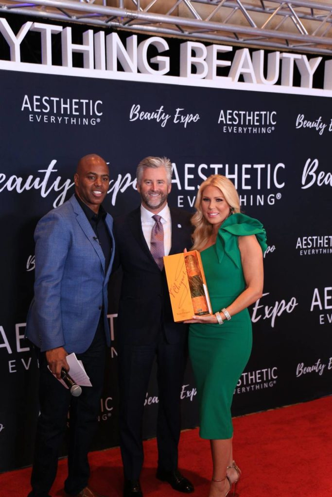 "Merz Wins The Aesthetic Everything Inaugural ""Aesthetic Industry Market Leadership Award 2018″"
